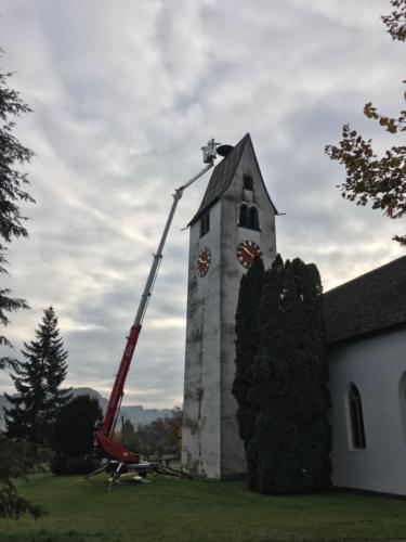 Kranarbeiten Reinigung Storchennest Kirche Brittnau